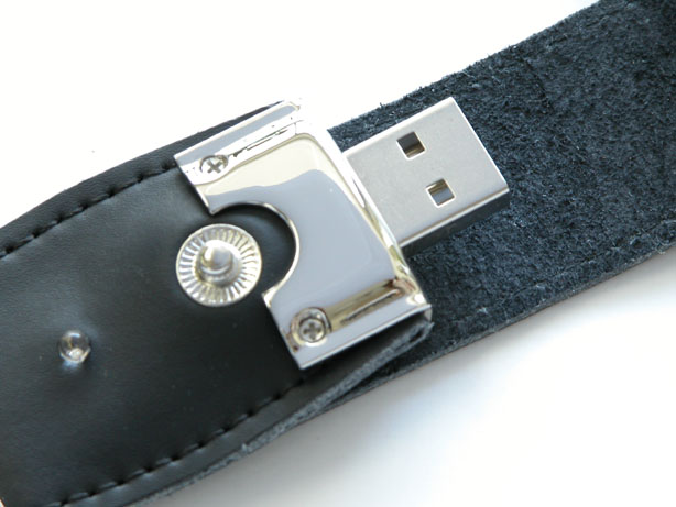 USBメモリー レザーハウジングB 写真2